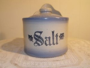 antique_blue_and_white_stoneware_salt_crock__lid_1_thumb2_lgw
